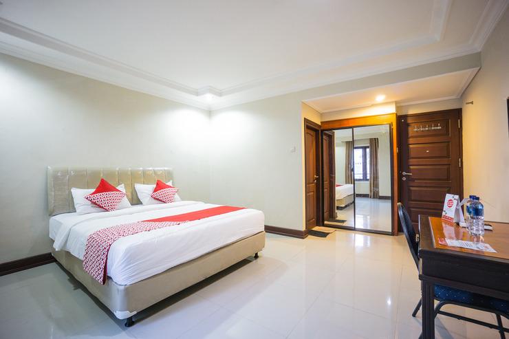 OYO 1062 Virginia Residence Manado - Bedroom
