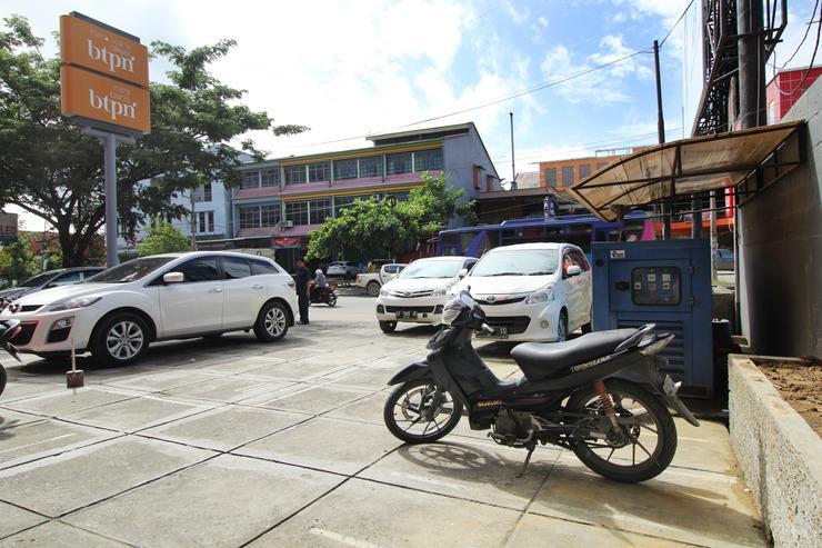 Airy Mandonga Saranani 168 Kendari - Exterior