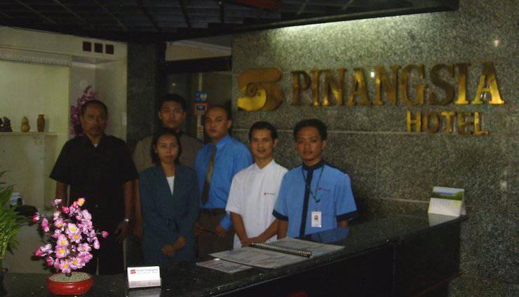 Pinangsia Hotel Jakarta - Resepsionis