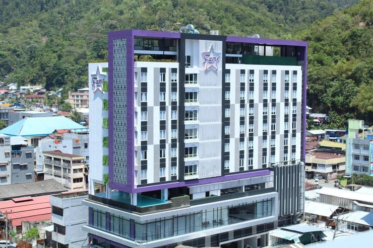 Fame Hotel Jayapura Jayapura - building
