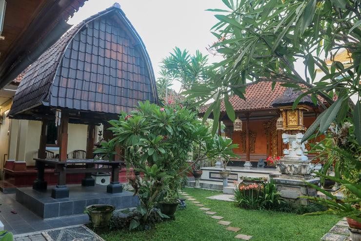 Sekar Waru Homestay Bali - Taman