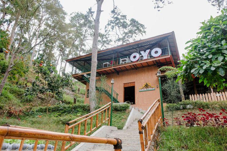 OYO 1175 Oemah Djowo Resort Magetan - Facade