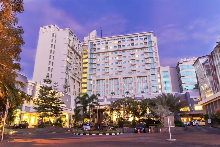 Clarion Hotel Makassar - Front of Property