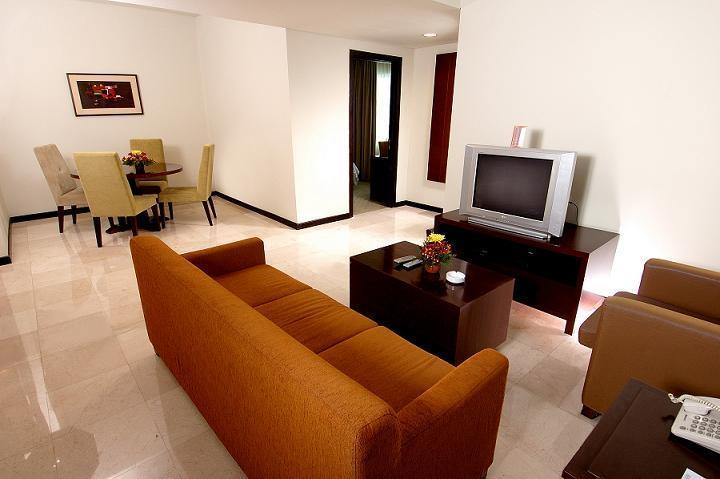 Clarion Hotel Makassar - Apartment (26/June/2014)