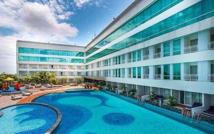 Clarion Hotel Makassar - Pool