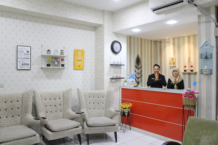 Fastrooms Bekasi - Front Office