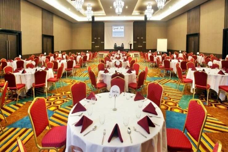 Grand Zuri Muara Enim - Ballroom