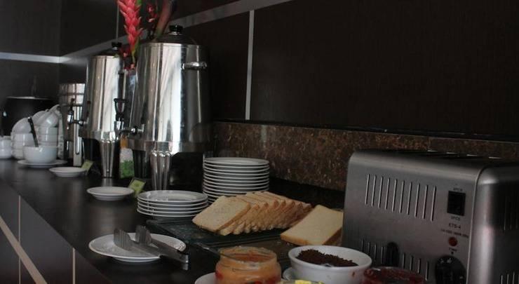 Hotel Zahra Kendari - Hidangan Prasmanan