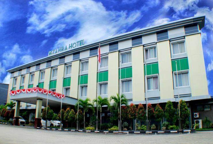 Hotel Zahra Kendari - Exterior