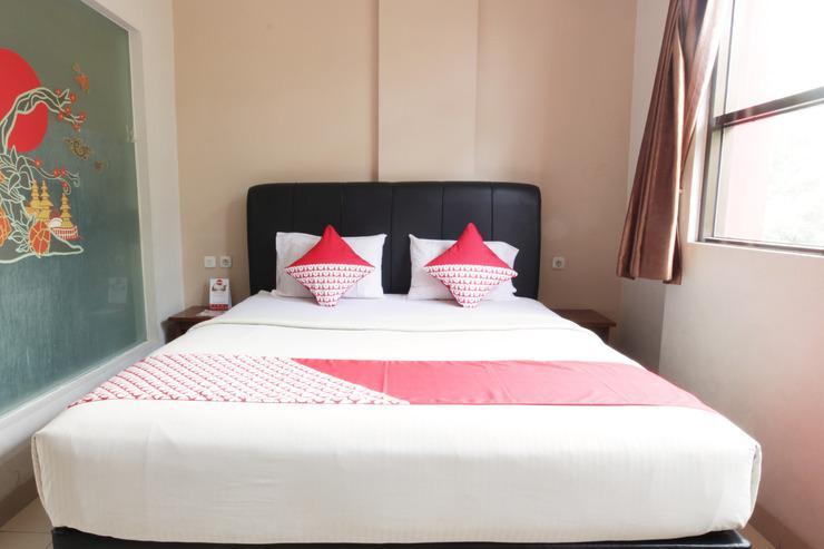 OYO 173 Asoka Hotel Bandung - Bedroom