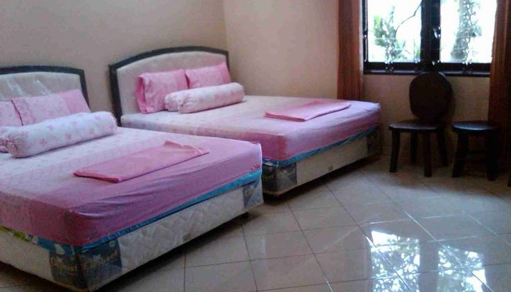 Rancho Topaz Guesthouse Bandung - Family (Hi-06/Dec/2013)