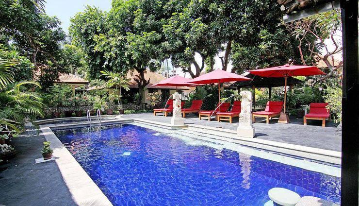 ZenRooms Kuta Inn Bali - Kolam Renang