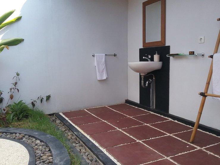 Batu Ampar Bungalows Bali - Bathroom