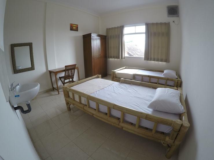 Palmyra Hostel Malang - Guestroom