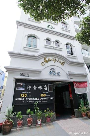 The Amazing Inn Singapore - Featured Image