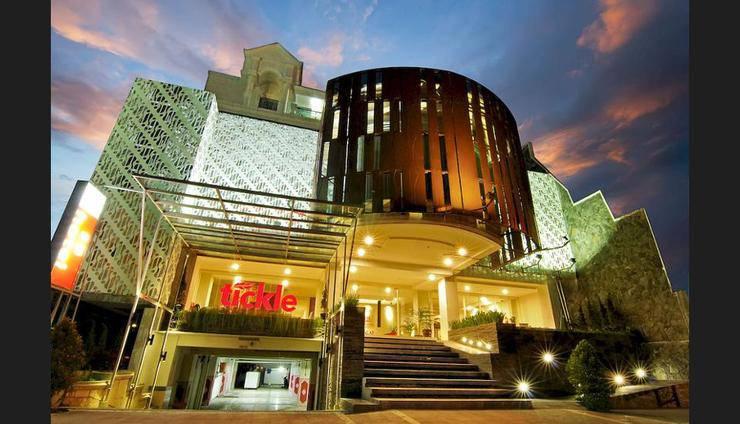 Tickle Hotel Yogyakarta - Featured Image