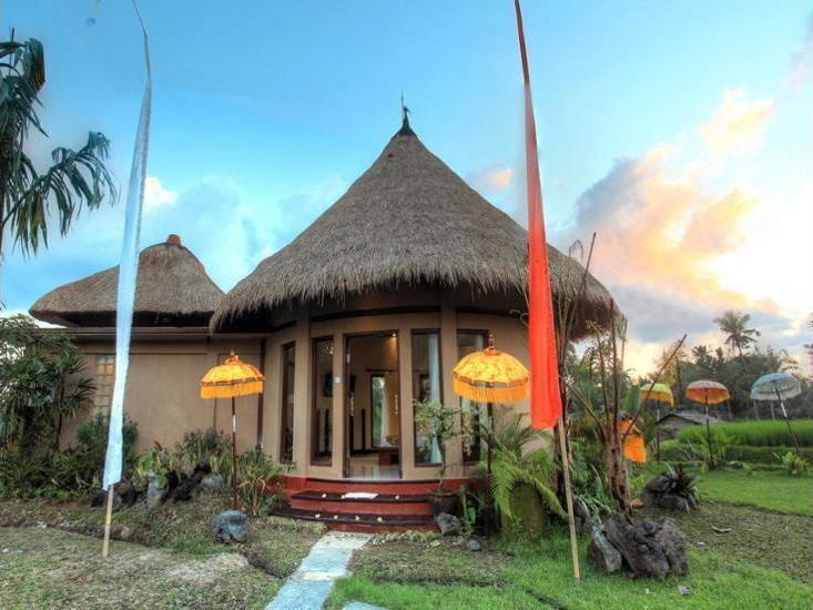 Villa Kunang Kunang Ubud - Featured Image