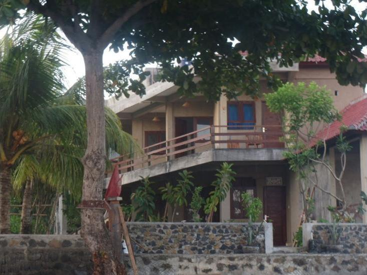 Amed Sari Beach Guesthouse Bali - Featured Image