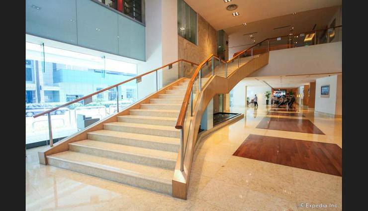 M Hotel Singapore - Staircase