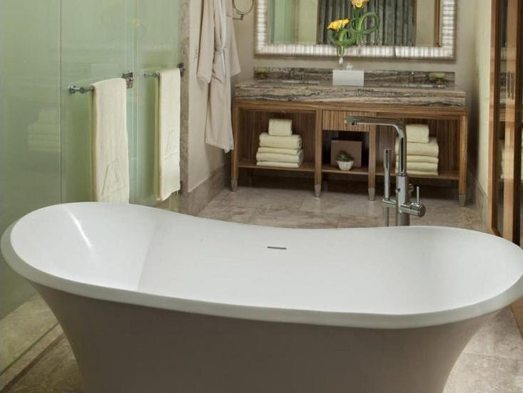 Mulia Resort Bali - Bathroom