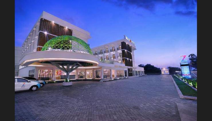 Alamat Review Hotel D'MAX Hotel and Convention Lombok - Lombok