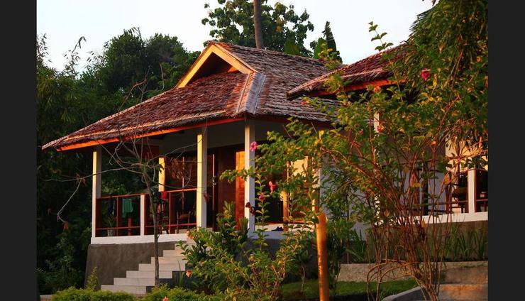 Thalassa 5* PADI Dive Resort Manado - Guestroom