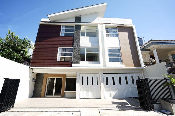 Erga Family Residence Surabaya - Facade
