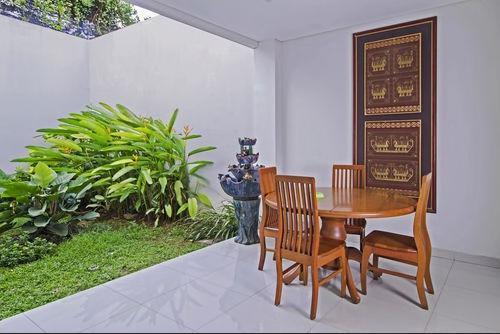 Rizen Kedaton Residence Jakarta - Eksterior