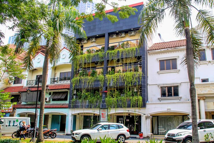 A1 Hotel Surabaya - FACADE