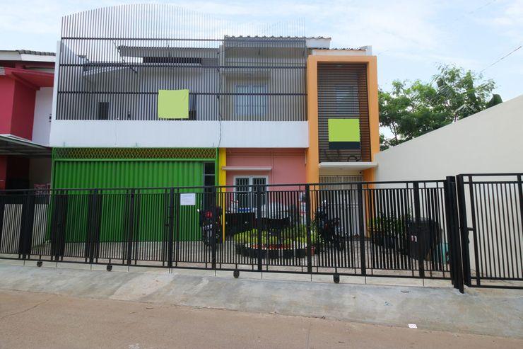 Mutiara Homestay Tangerang Selatan - Facade