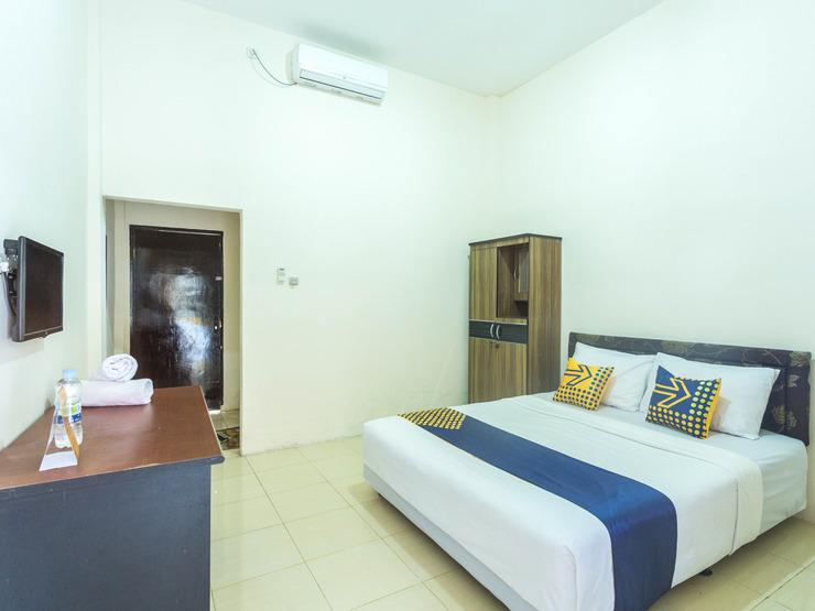 SPOT ON 1894 Khanida Lombok - Standard Double Bedroom