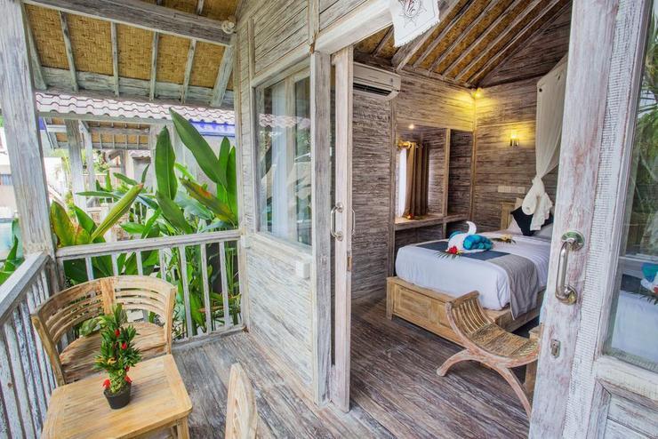 The Syron Huts Bali - Balcony