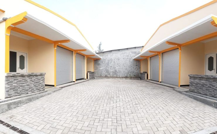 Hotel Pecoro Jember - Exterior