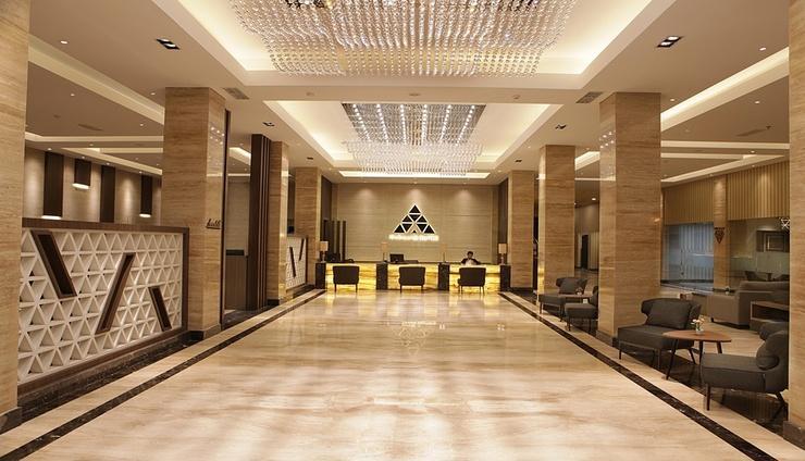 Pyramid Suites Hotel Banjarmasin - Lobby