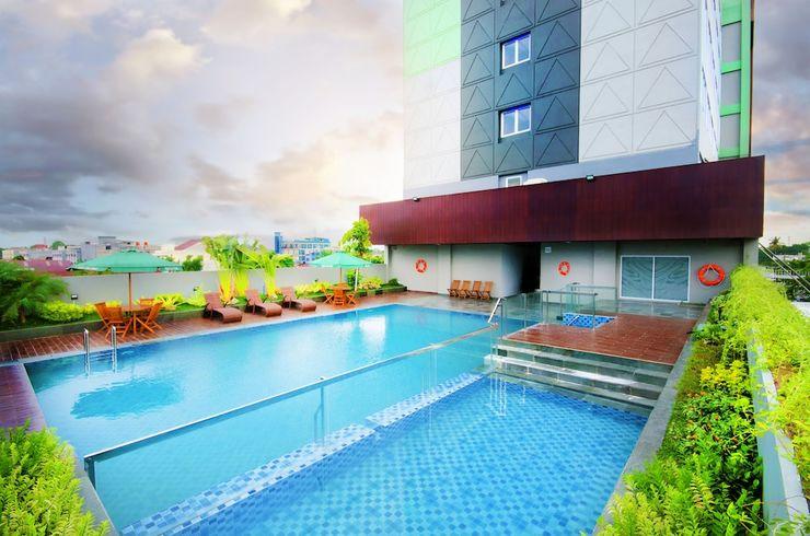 Ayola First Point Pekanbaru Pekanbaru - Outdoor Pool