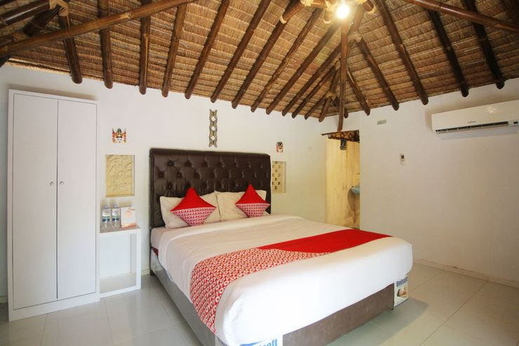 OYO 1115 Villa And Resto Kubu Selem Etnik Bali - Bedroom