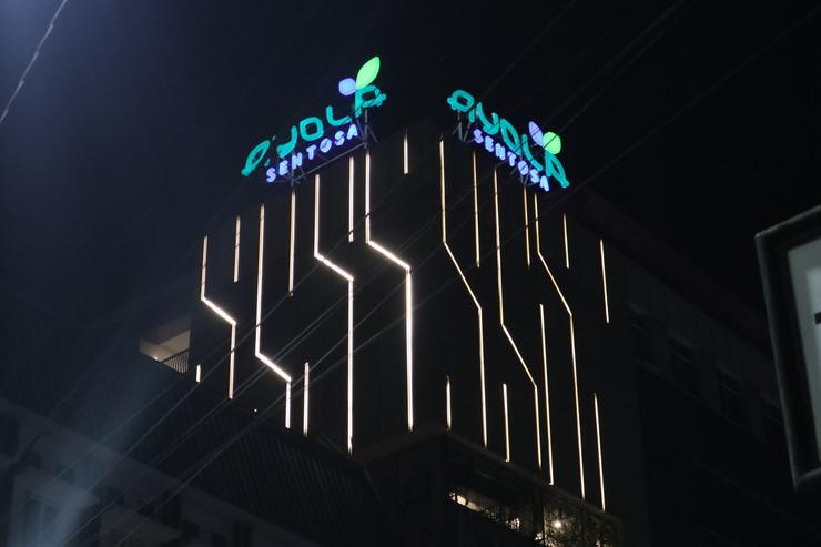 Ayola Sentosa Palembang Palembang - Bangunan Depan