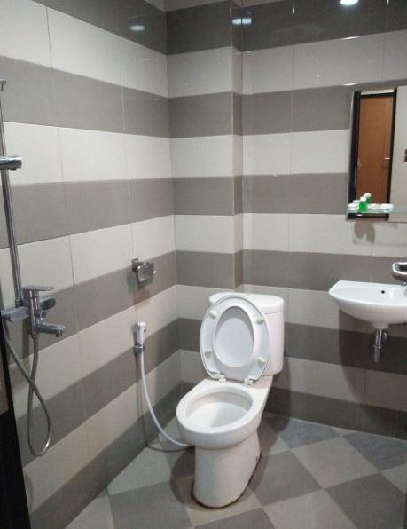Hotel Bumi Katineung Lebak - Bathroom