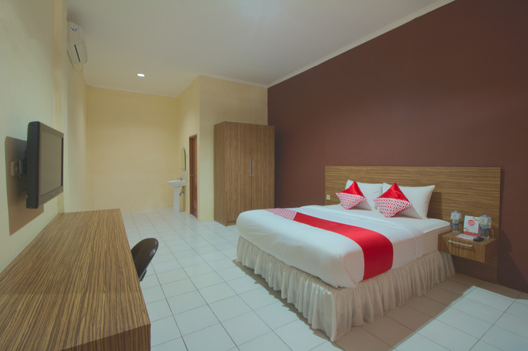 OYO 688 Grand Pakidulan Hotel Sukabumi - Bedroom