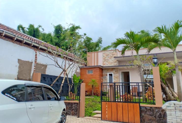 Villa Akbar 6 Malang - Tampak Depan