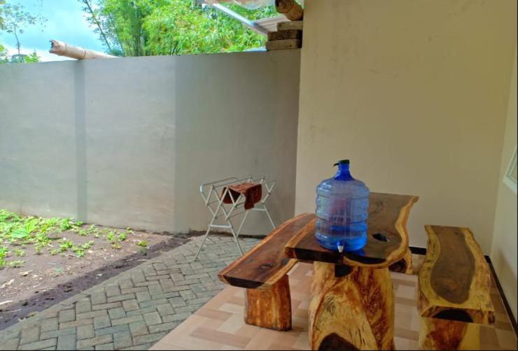 Villa Akbar 6 Malang - Terrace