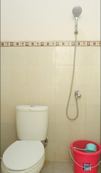 Villa Aden Malang - Bathroom
