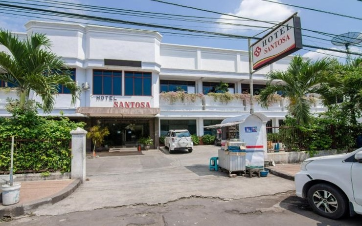 Hotel Santosa Malang - Exterior