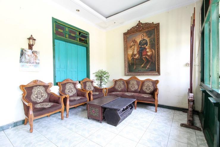 RedDoorz near Plengkung Gading Yogyakarta - Interior