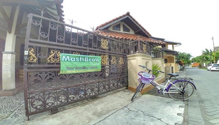 Mashbrow Hostel Yogyakarta - exterior