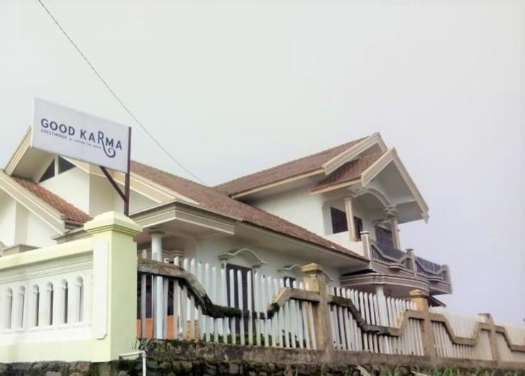 Good Karma Guesthouse Probolinggo - Pemandangan dari luar