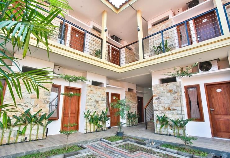 Sandy's Resto & Homestay Banyuwangi - Exterior