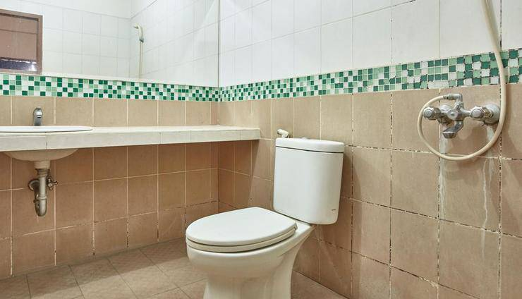Hotel New Idola Jakarta - Executive Bathroom