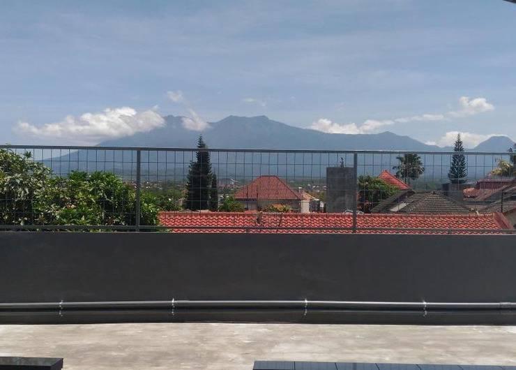 K15 Exclusive Malang - Atap