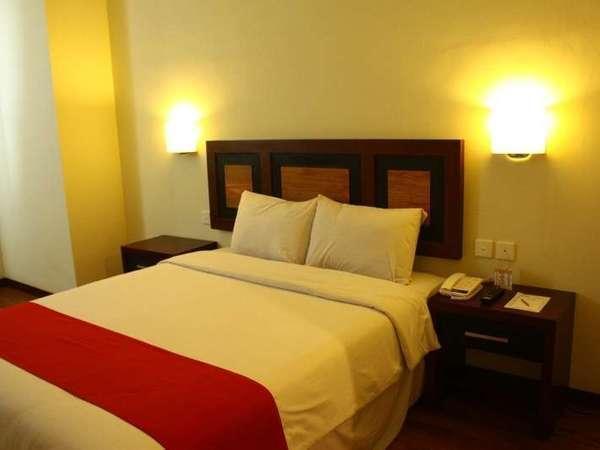 Lampion Hotel Solo - Superior satu bed besar
